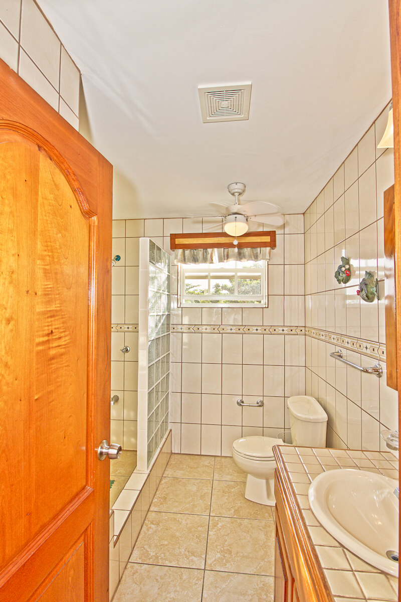 Guest bedroom & bathroom-13
