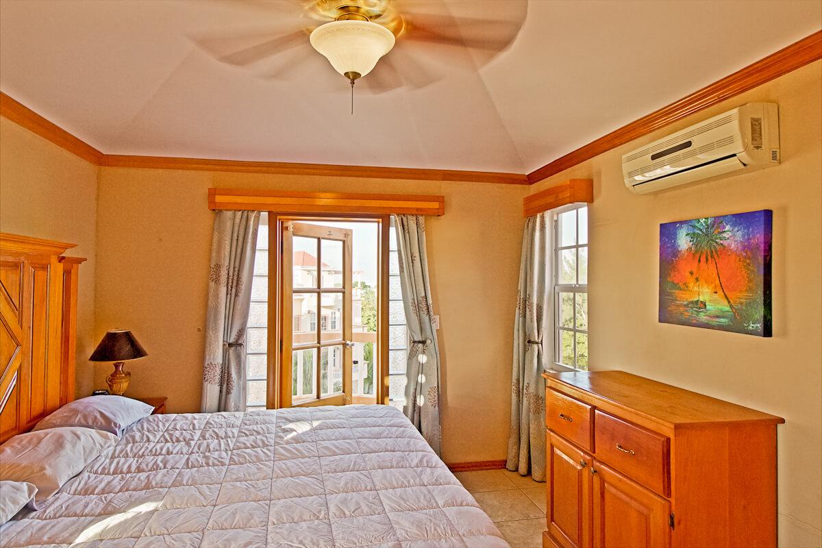 Master bedroom & bathroom-16