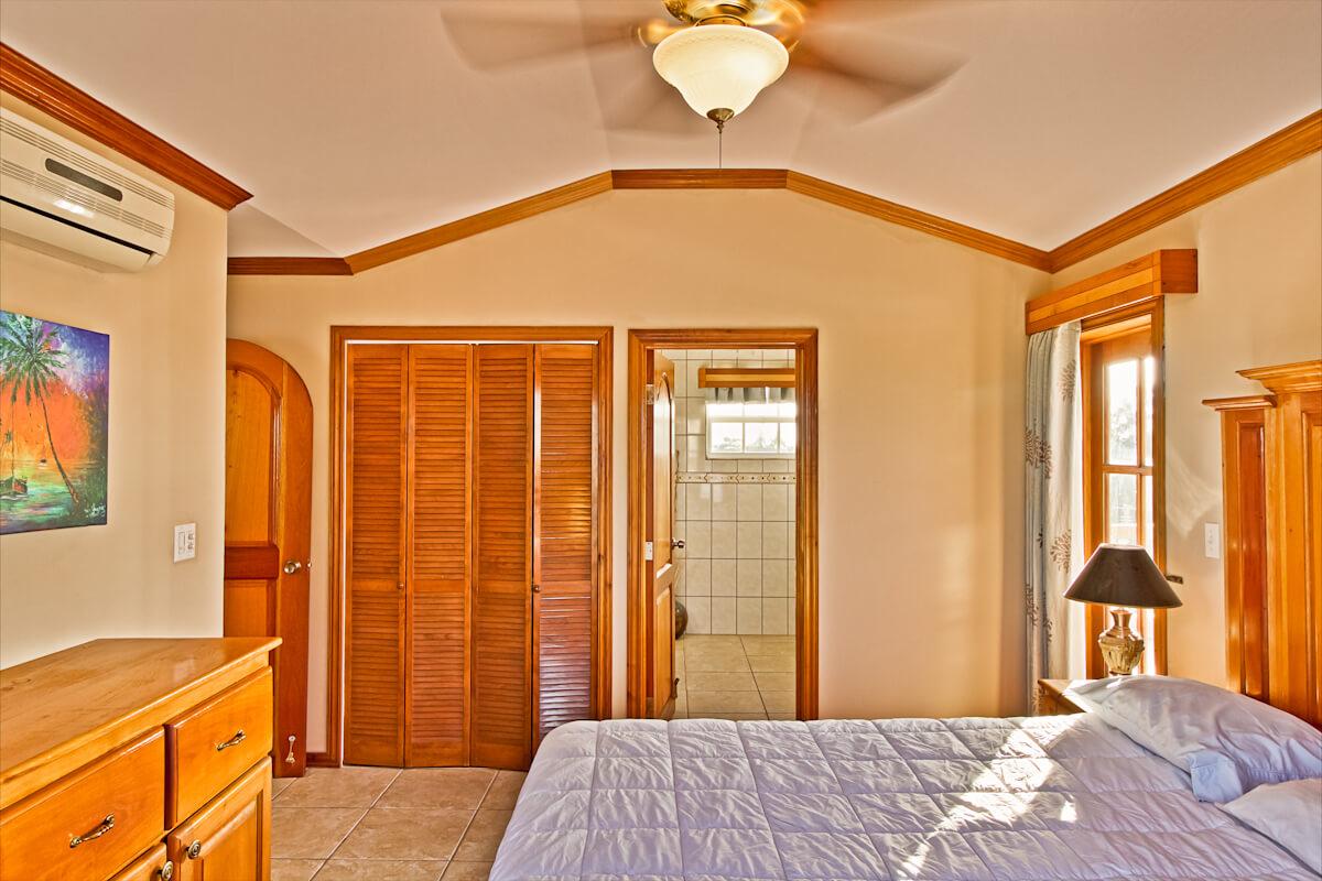 Master bedroom & bathroom-17