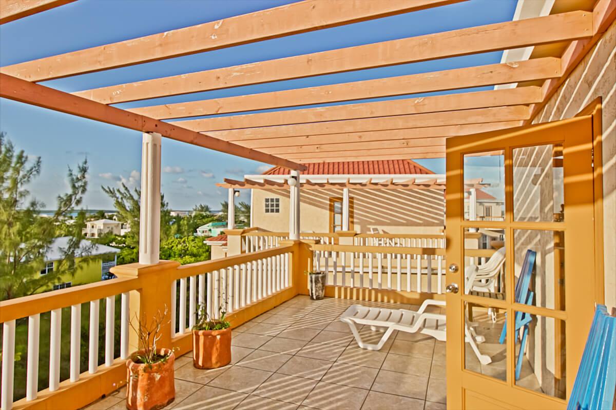Master bedroom patio-20