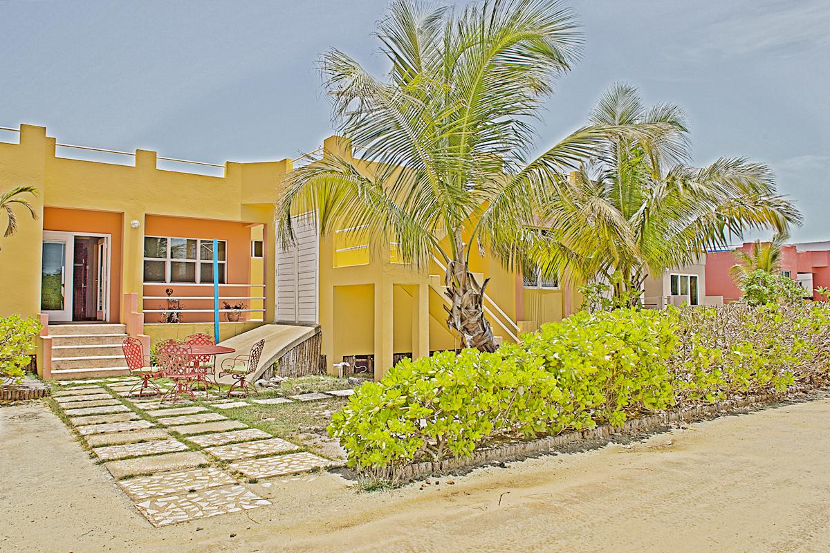 Mara Laguna  Villa # 17