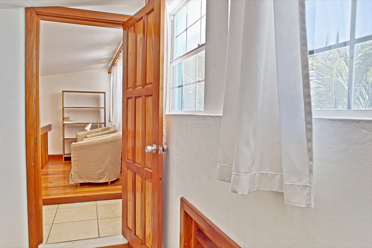 Guest bedroom 2 & landing-5