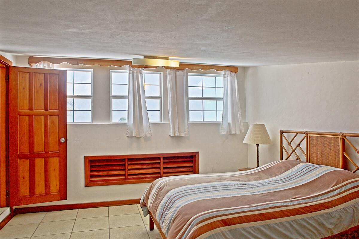 Guest bedroom 2 & landing-69